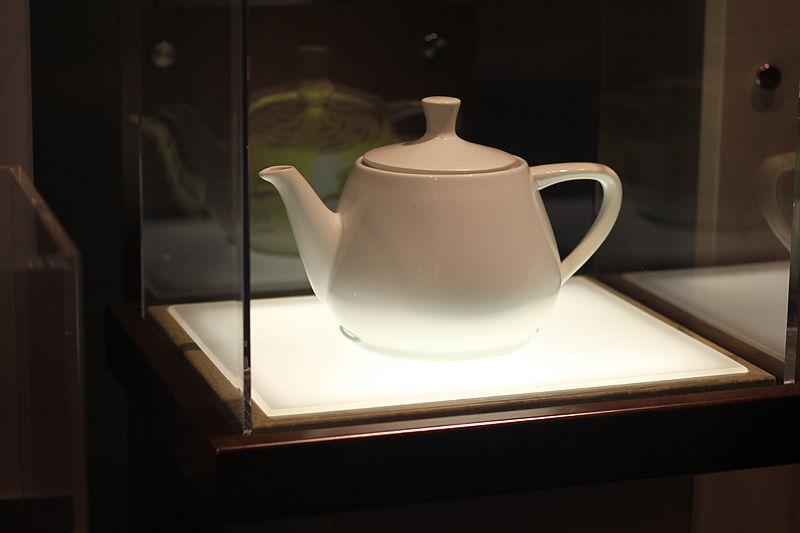 Original_Utah_Teapot_-_Computer_History_Museums.jpg